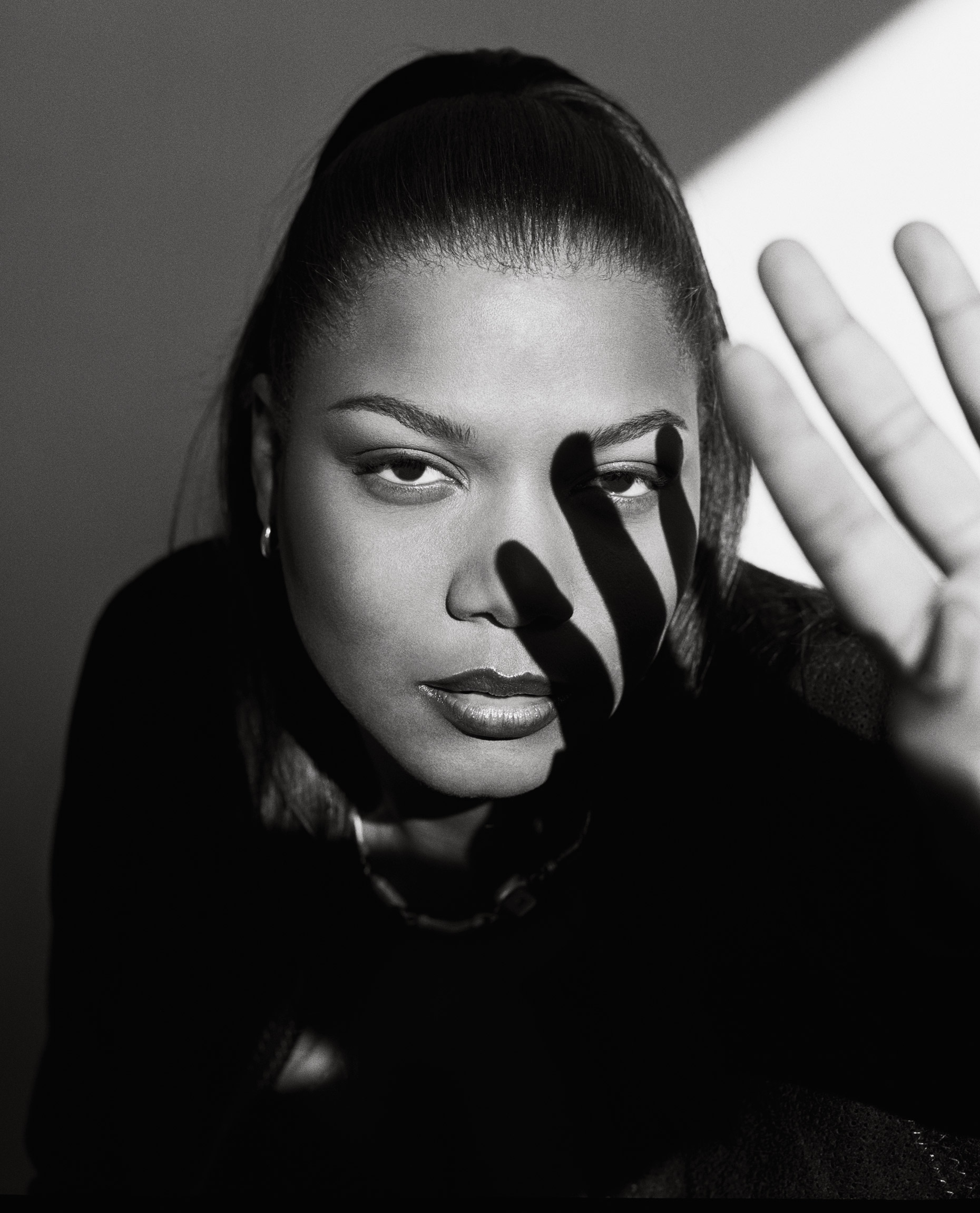 QUEEN_LATIFAH_©GEORGE_HOLZ_1999W